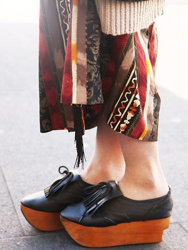 5a00dbd971f We love how these modern oxford platforms remind us of traditional Japanese  shoes with their wooden sole.