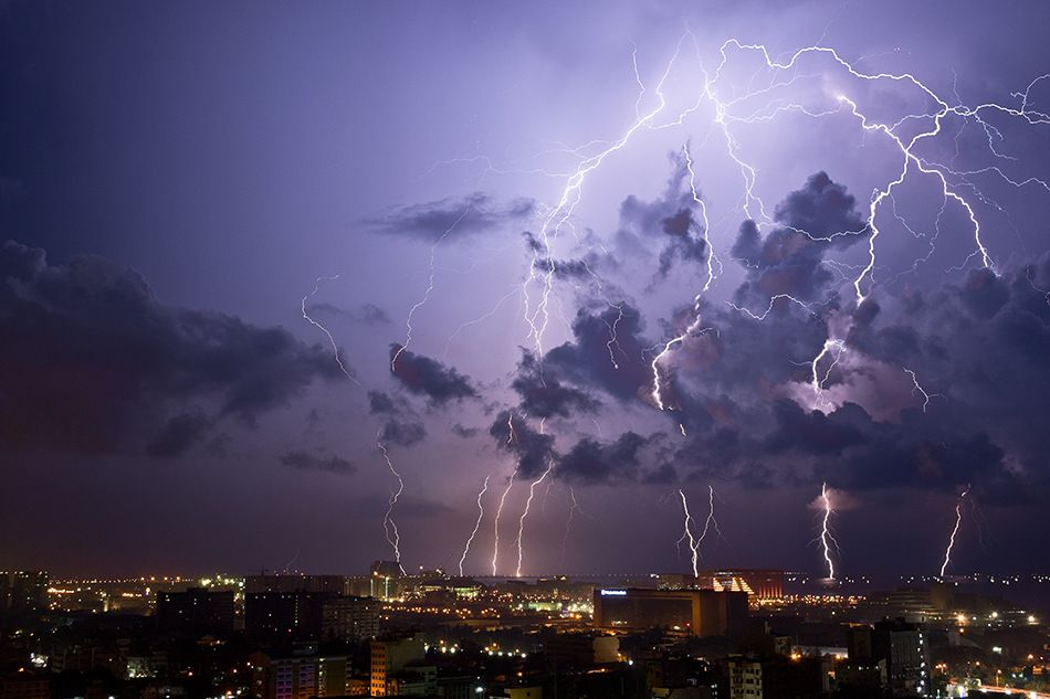 Spidery lightning in the Phillipines    www.wunderground.com