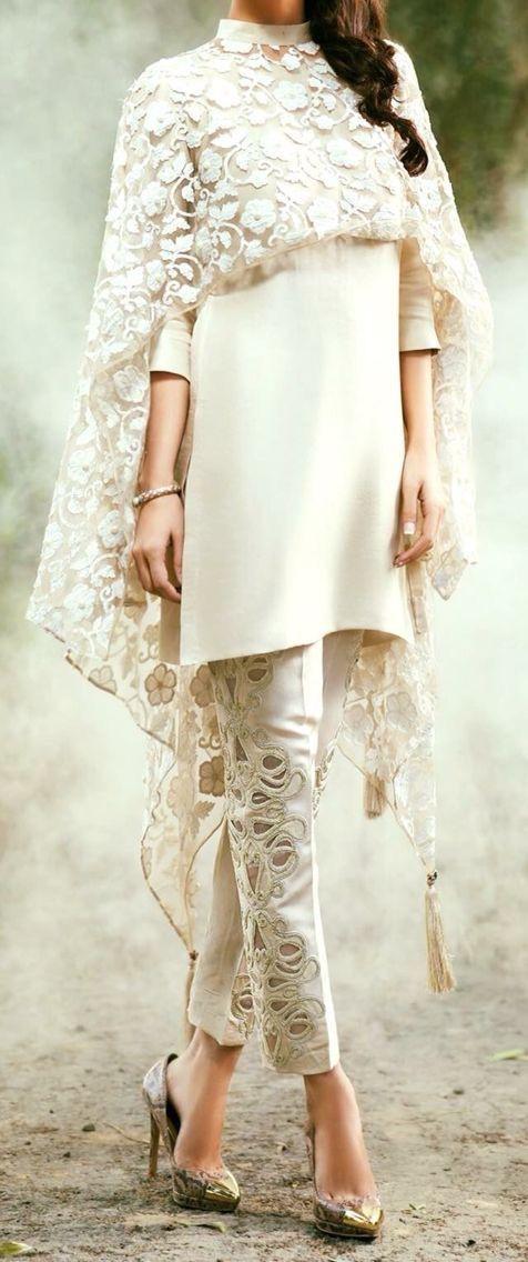 Pin Von Ammon Auf Mode Pakistanische Kleider Kleider Indische Kleidung