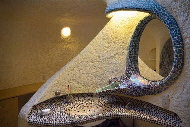 Nautilus Giant Seashell House in Mexico City 8