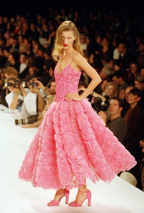 Kate Moss on catwalk for Isaac Mizrahi S/S 1995, New York 1994 ...