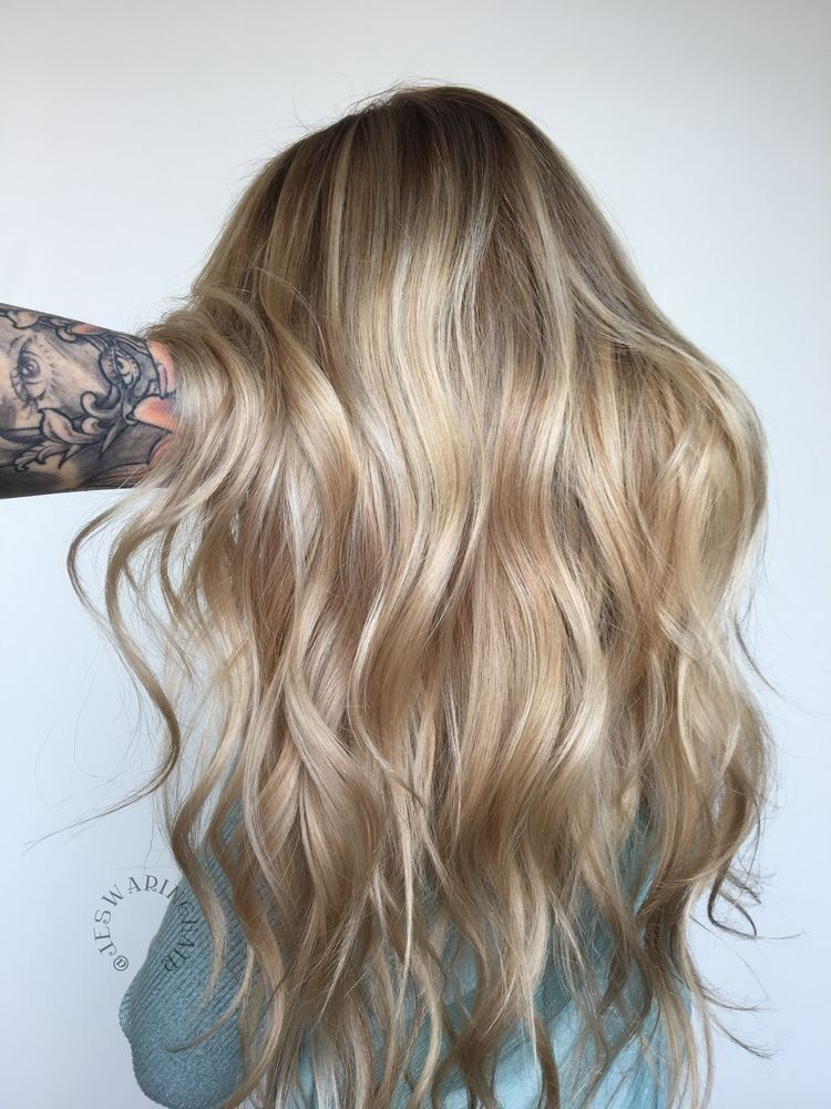 Perfect honey blonde balayage hair color Full head of Champagne and soft blonde woven highlights rose gold blonde highlights guy tang #champagneblondehair