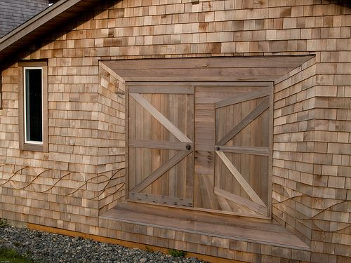 Per Pinner Amazing Trompe L Oeil Effect Done With Cedar Shake Shingles Completely Flat Wall That Gives The Illusion Of An Open Barn Door Very Cool Wood Roof