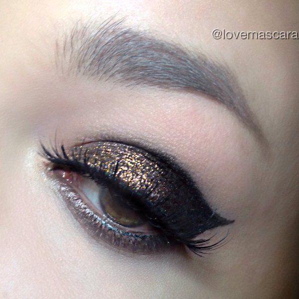 Pin On Metallic Glittery Makeup Looks