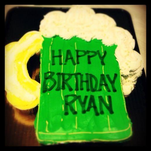Beer mug birthday cupcakes!