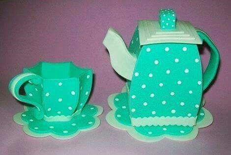 Cafetera y taza fomy
