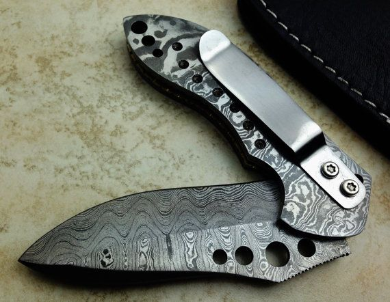 Titan s SUPERB Hand Made Full Damascus Folding Knife Hunting Pocket ... e38fac59d6a3