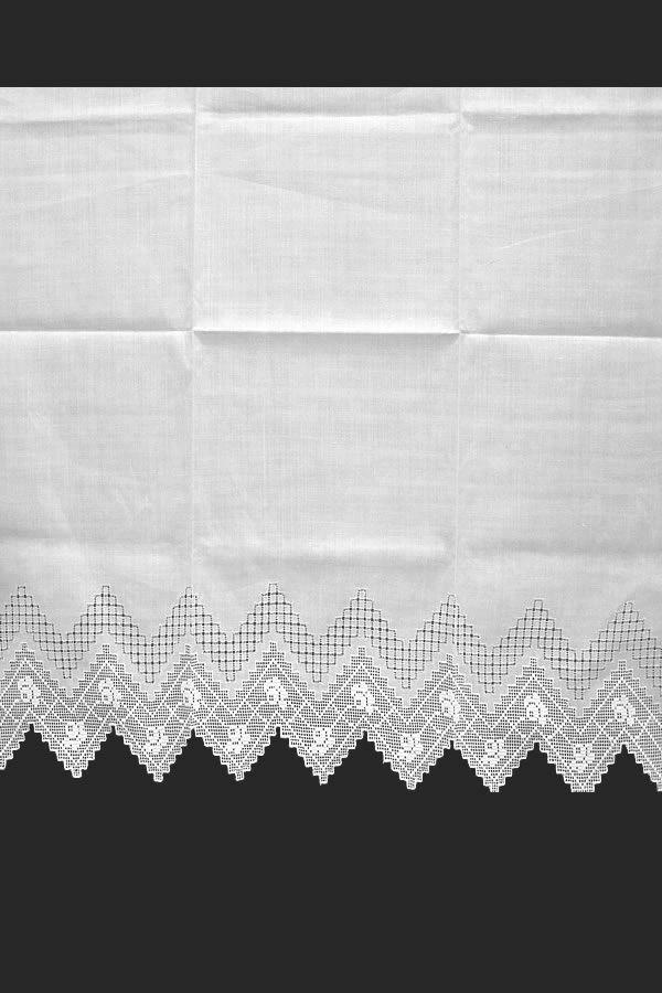 Cortinas clsicas de lino con cenefa deshilada haciendo zig zag tipo almena de castillo Cortinitas ideales para decorar ventanas en casas