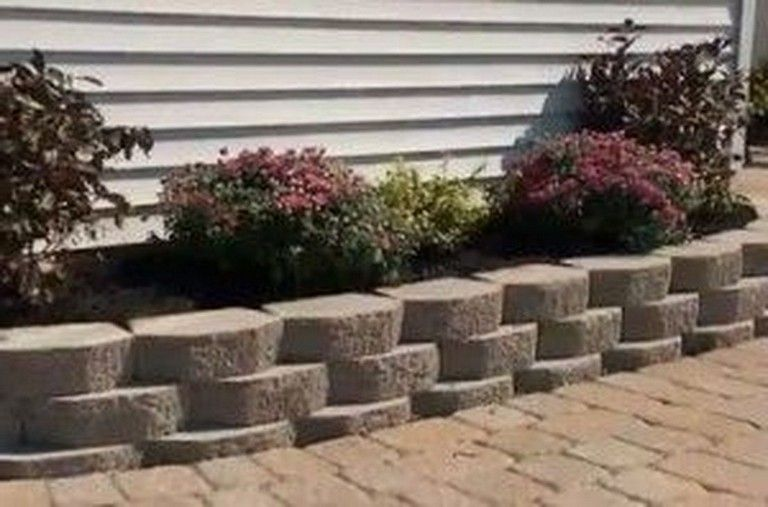 32 Beautiful Front Yard Retaining Wall Ideas Perfect For Your Front House Landscaping Retaining Walls Building A Retaining Wall Garden Wall Designs