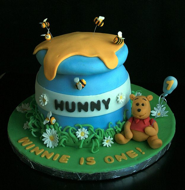 Winnie the pooh first birthday cake Birthday cakes Boutique and Cake