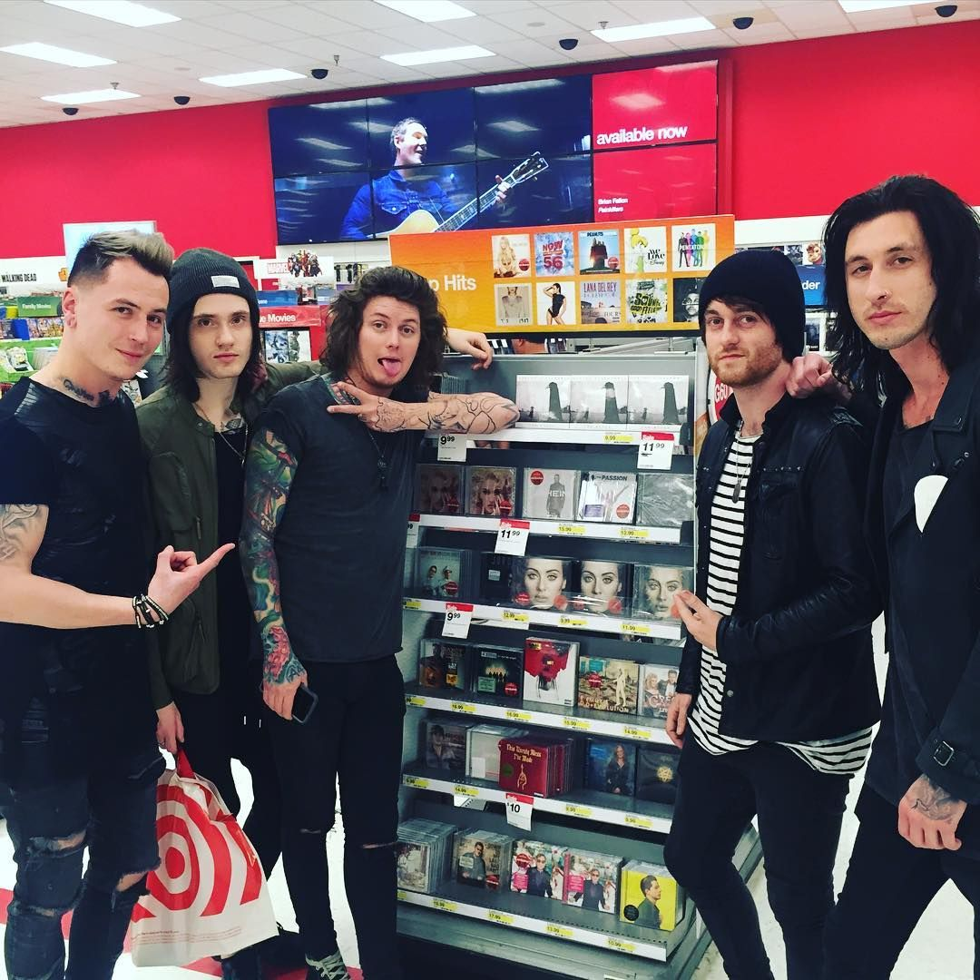 ok but i wish i can go to a store and find band members like this bandsorbandmembers in 2019. Black Bedroom Furniture Sets. Home Design Ideas