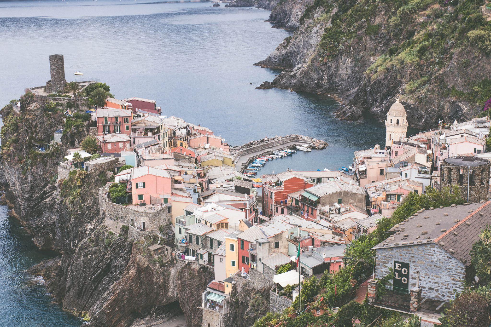 Visite du village de Vernazza, Cinque Terre.Bella Vernazza ! Une matinée qui arrête le temps. Découvrez les lieux et conseils pour bien profiter du village.