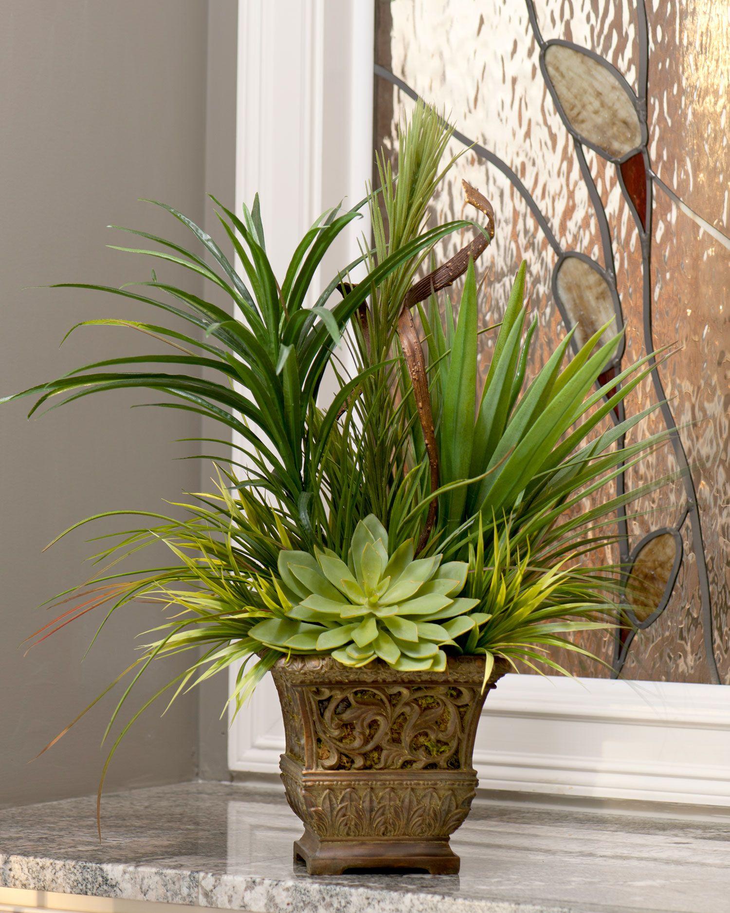 Yucca Gr Tabletop Silk Planter