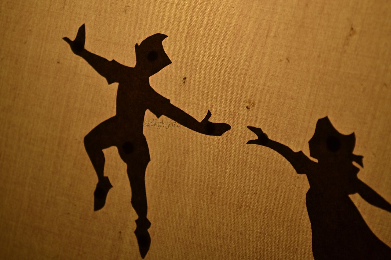 peter pan holding wendy hand silhouettes - Google Search i ...