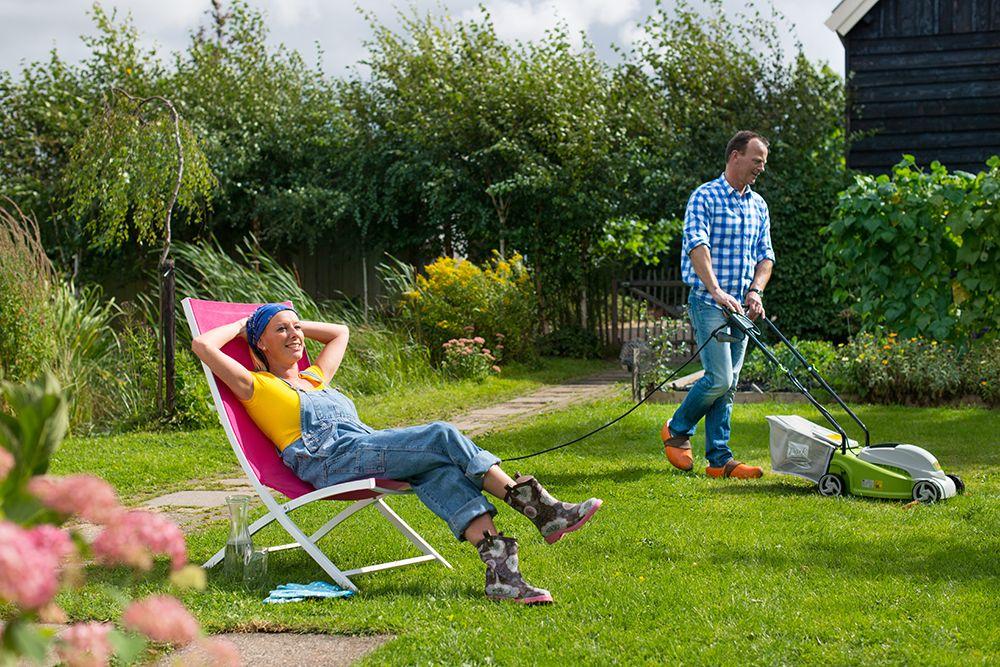 Praxis heerlijk in de tuin aan het werk zodat het er for Tuin praxis