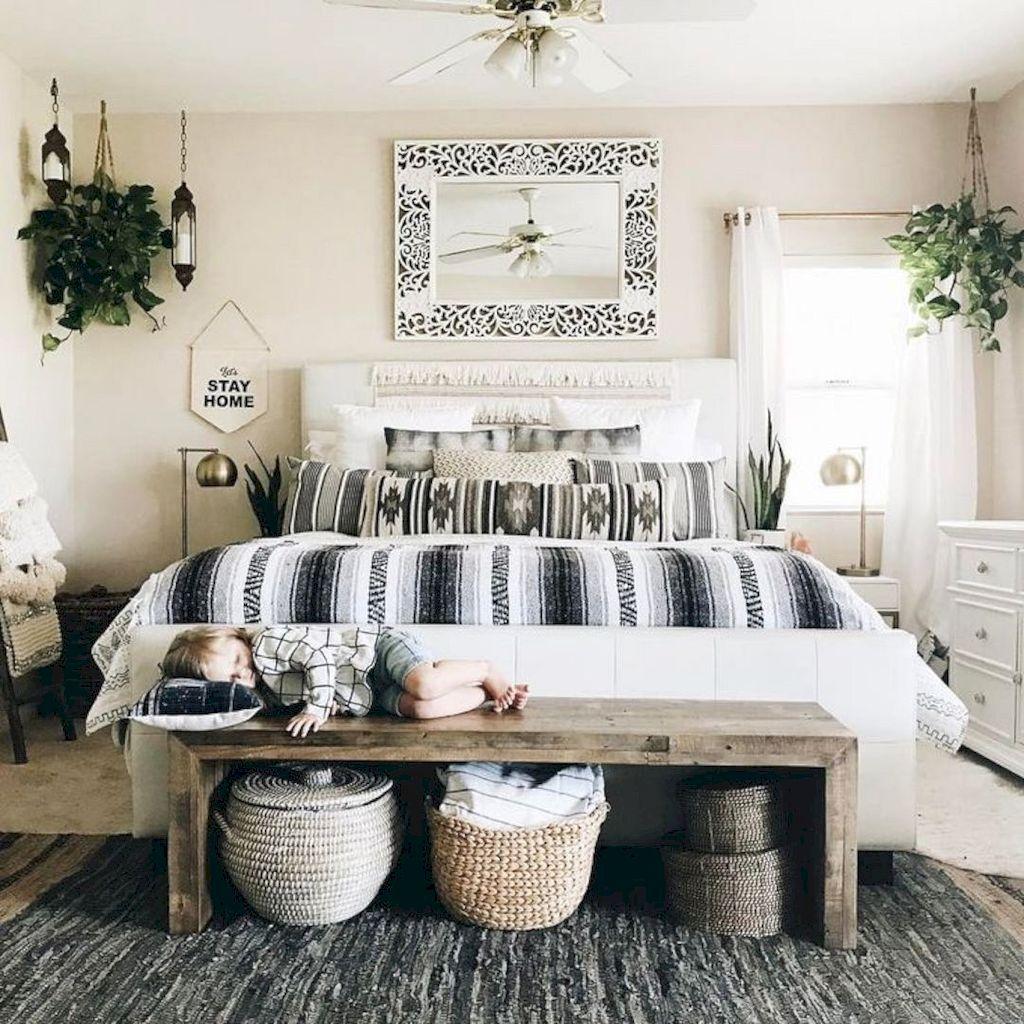 40 Romantic Bohemian Master Bedroom Design Ideas