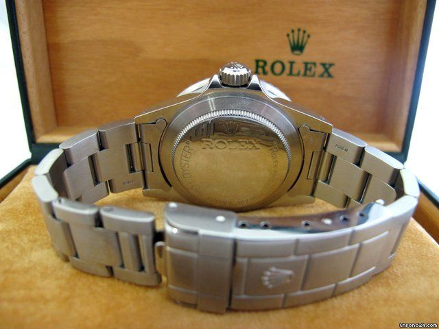 http://www.jamesedition.com/watches/rolex/other/seadweller-1665-rail-dial-serie-601xxxx-for-sale-768254