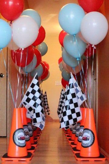 Ideas de arreglos de mesa de cars para fiesta infantil - Decorar mesas para fiestas ...