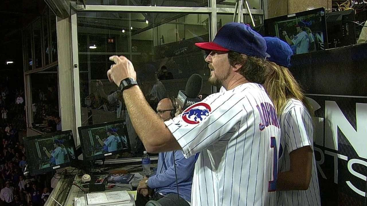 SD@CHC: Vedder sings 'Take Me Out to the Ballgame'