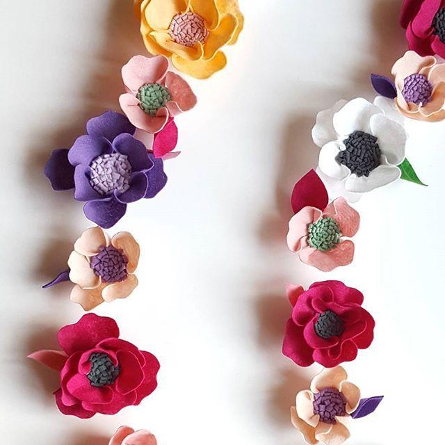 Symmetry 😍 Have a wonderful weekend everyone!! 🌿 #feltflowers #feltflowergarland #floraldesign #floralgarland #floralnursery #babynursery #designinspo #designsponge #interiordecor #wallart #wallhanger #weddinginspiration #weddinggarland #babynursery #colorcombo #rosegarland #peonygarland #etsylithuania #craftspire #craftsposure #creatorslane #thehandmadeparade #buyhandmad #etsy #handmadehomegoods #artoftheday #rainbow_wall #pbkids #ohheymama #mamafinds #pursuepretty