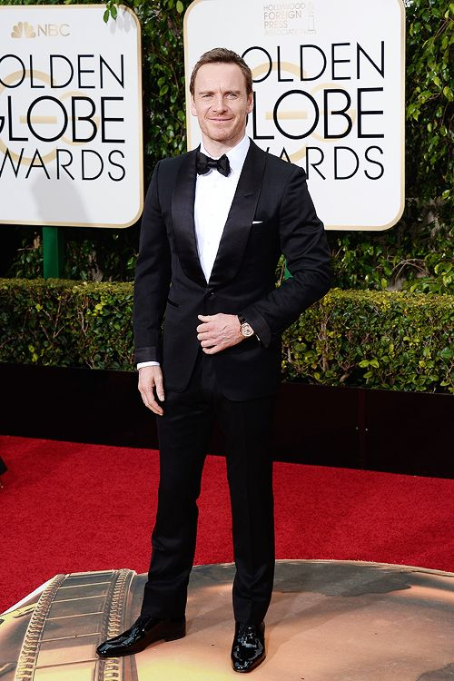 Let's recall those stunning pictures of Michael Fassbender from the Golden Globe.