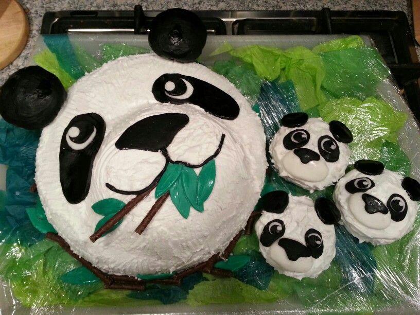 Panda cake with cub cupcakes