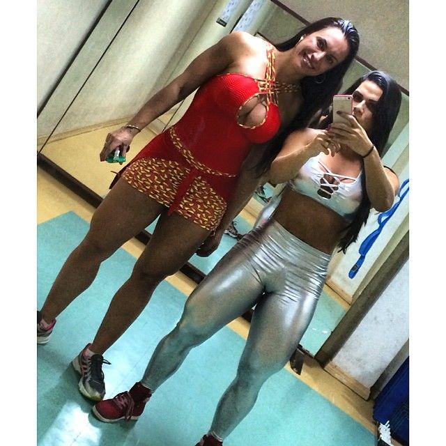 Muscle and Fitness Bodybuilding Magazine/Triple H/Stephanie McMahon /Zane 1-15