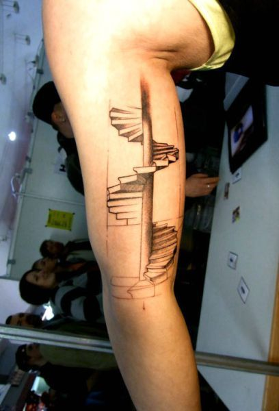 b51bec9d91e94 spiral staircase tattoo... not so sure about the placement, but amazing art!