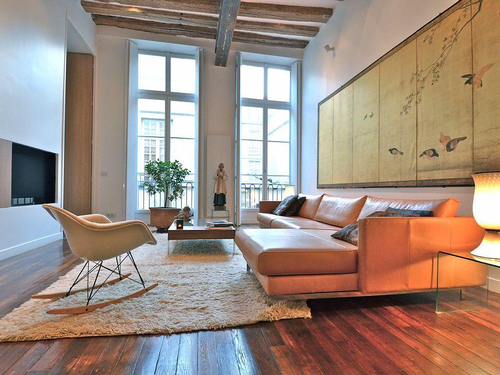 Vrbo Com 1317740a Golden Brac Apartment Refined Elegant Modern In The Heart Of Le Marais Luxury Homes Home Rental Apartments