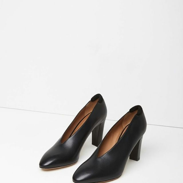 aja calf pump / acne studios\\.\\.\\.#breakfast #animallovers#fitness  aja calf pump / acne studios\...