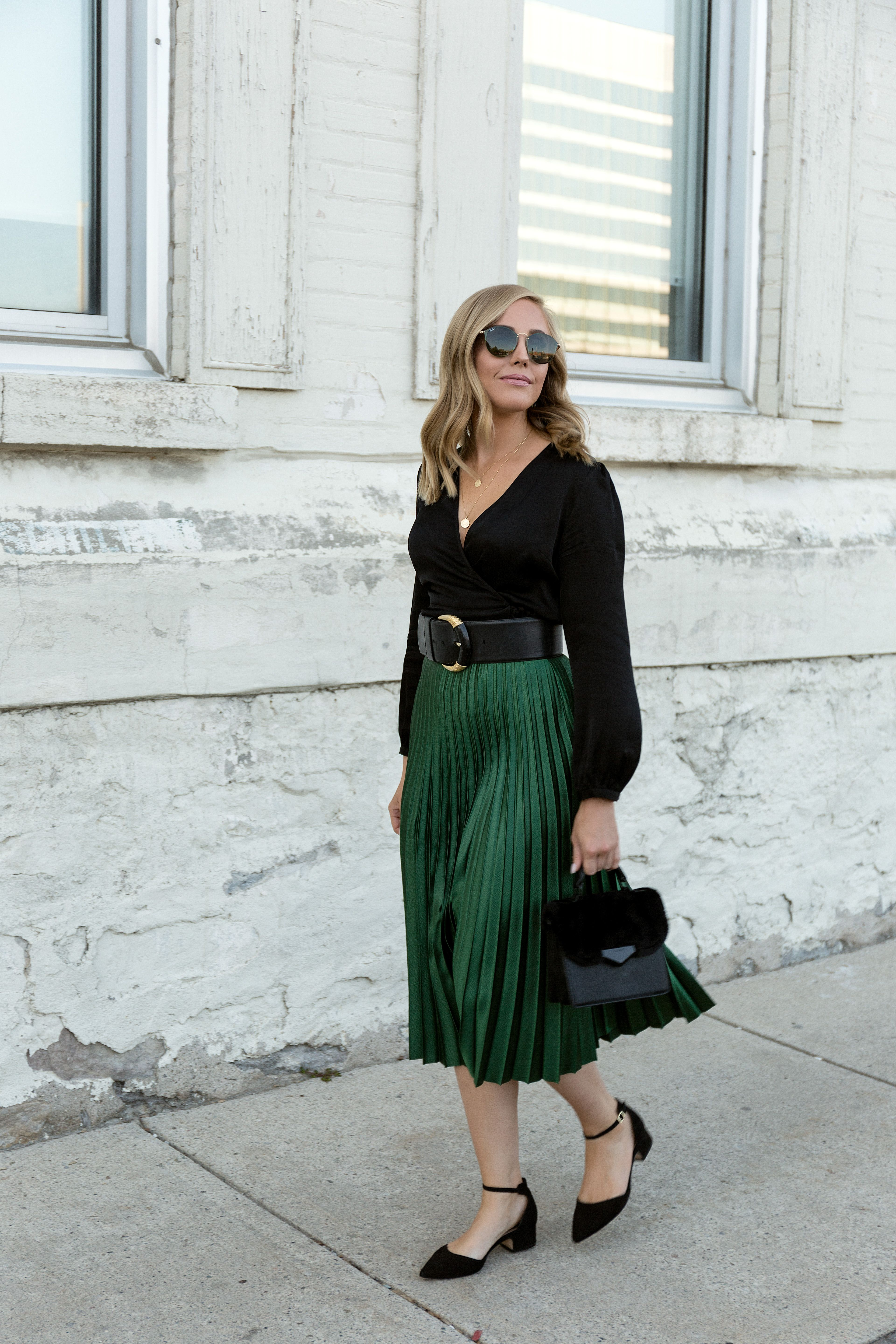 2411aafb4 Emerald Green Skirt and Classic Black Blouse | Fashion: My Style ...