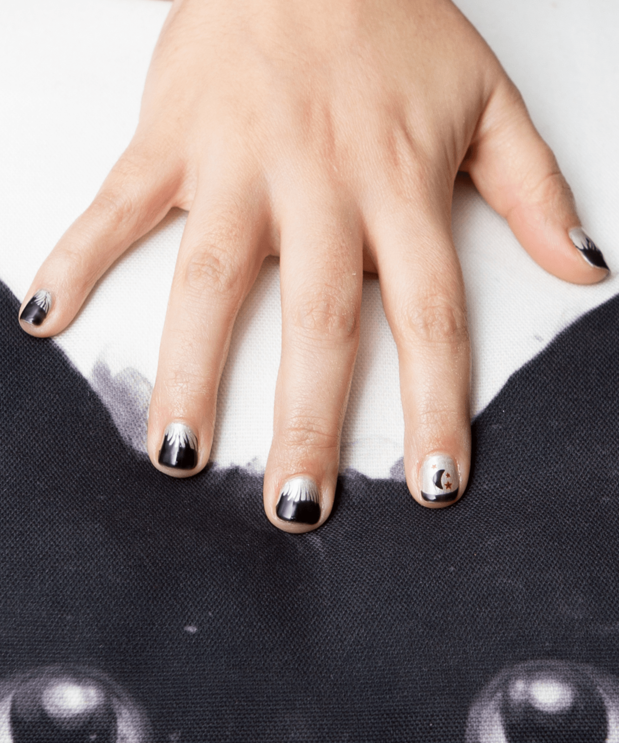7 Spooky Nail Designs For Your Best Witching Season Yet Refinery29 Paid Halloween Nail Designs Nail Design Inspiration Halloween Nails