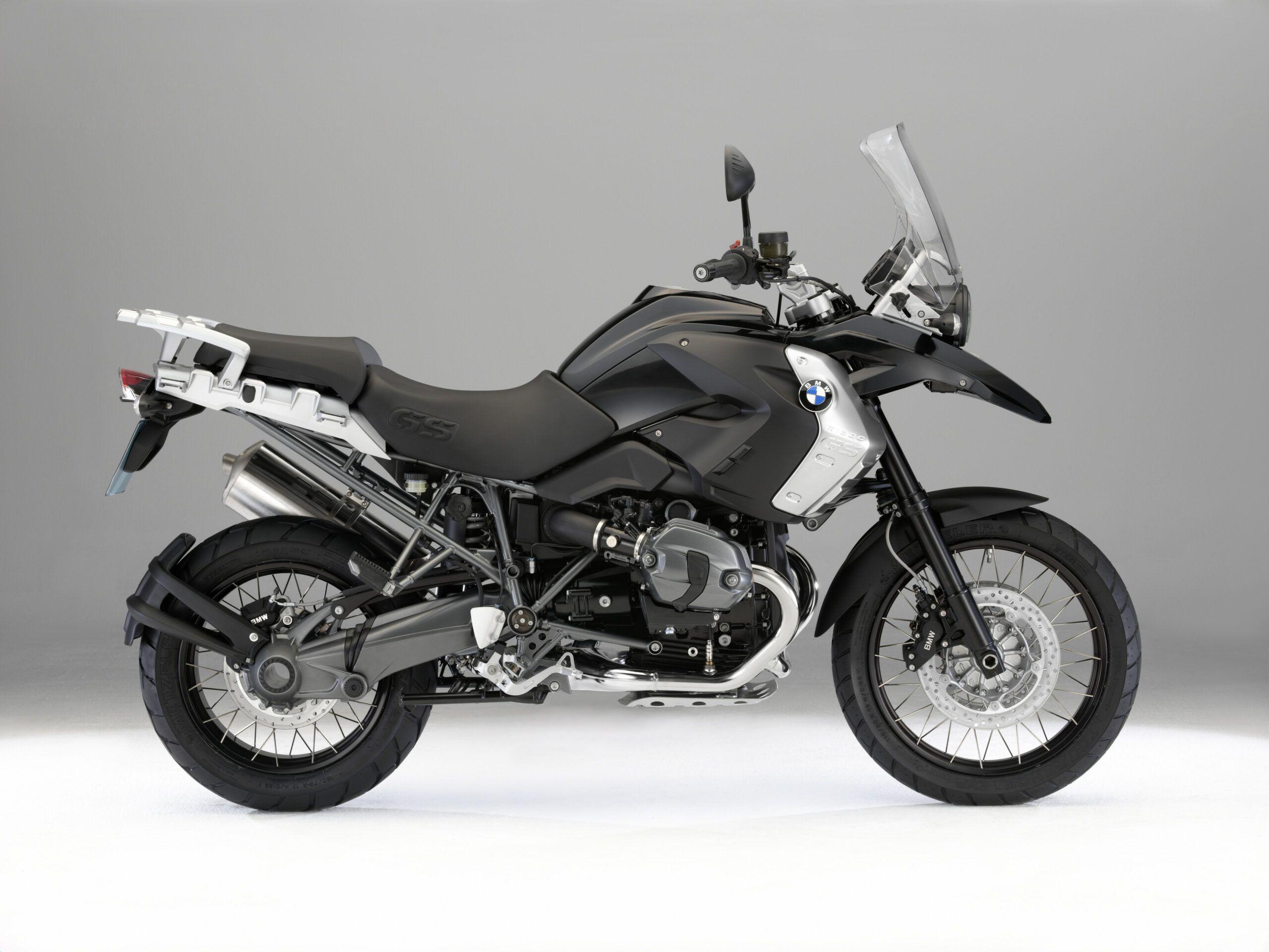 2020 Bmw R1200gs Triple Black In 2020 Bmw Bmw Motorcycles Triple Black