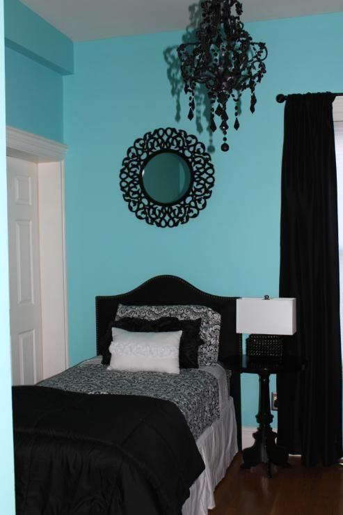 Girly Shabby Chic Auqa Bedroom With Black And White Decor Black Crystal Chandelier Black