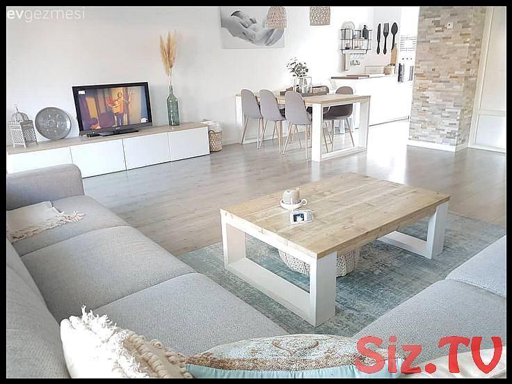 Das Dekor ist frisch und prickelnd  Ein Haus das an das Meer erinnert     Selda ...  - interior #DIY Wohnzimmer #wohnen DIY Wohnzimmer #DIY Wohnzimmer wanddeko #wanddekowohnzimmer