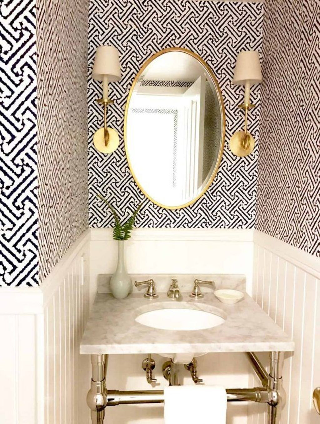 30 Inspiring Small Powder Room Decor And Design Ideas Powder Room Decor Bathroom Wallpaper Trends Powder Room Design