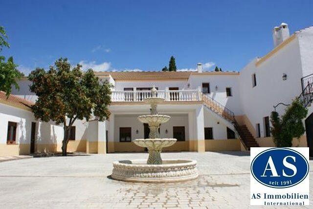 Außergewöhnliche Reitimmobilie auf 50.000 qm Land zu verkaufen!  Details zum #Immobilienangebot unter https://www.immobilienanzeigen24.com/spanien/andaluca/18001-granada/Reiterhof-kaufen/22861:1992194165:0:mr2.html  #Immobilien #Immobilienportal #Granada #Land-/Forstwirtschaft #Reiterhof #Spanien