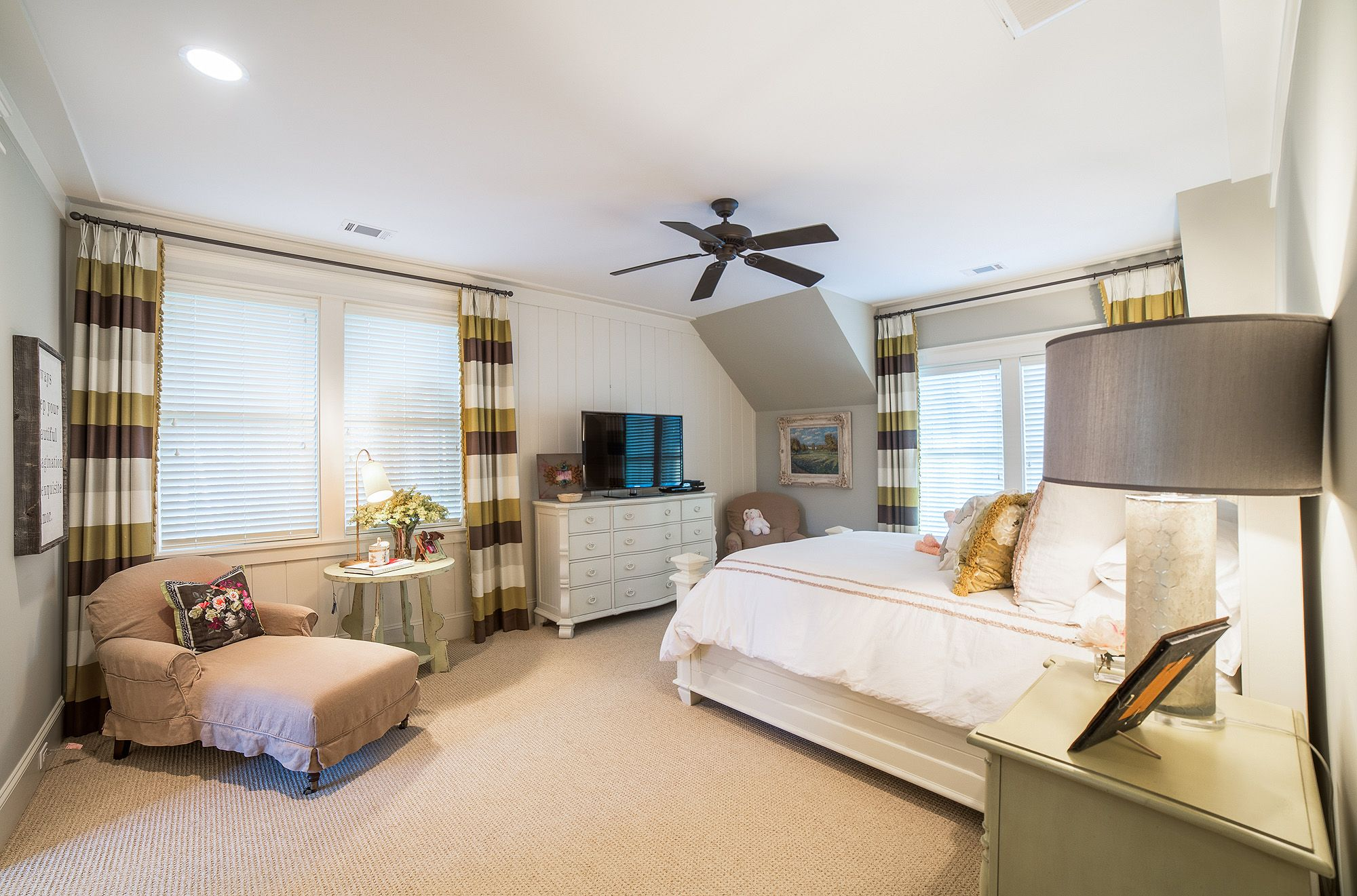 Spacious Guest Bedroom | Guest Suite | Lowcountry Living | Southern Style |  White Bedroom |