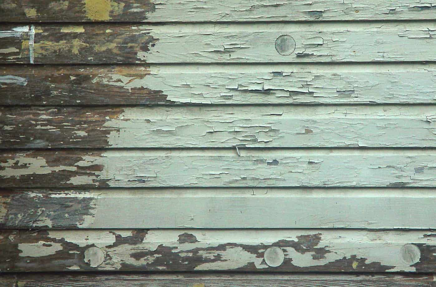 Peeling Paint Due To Moisture On Wood Siding On An Old House Wood Siding Wood Siding House Siding Paint