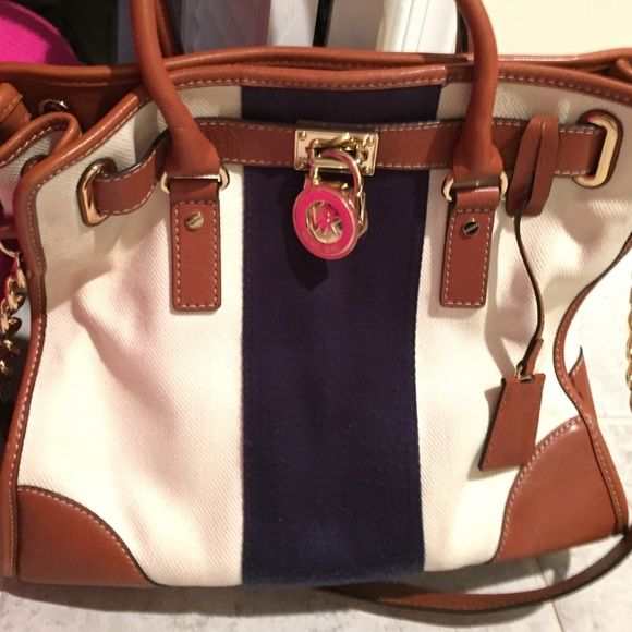 Michael Kors Hand Bag Canvas Handbag, amazing bag and carries all your me necessities with ease and style, Navy cream and Brown color Michael Kors Bags Shoulder Bags