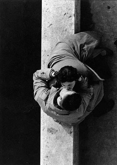 Couple (Quai du Louvre)  by FRANK HORVAT, 1955 Paris
