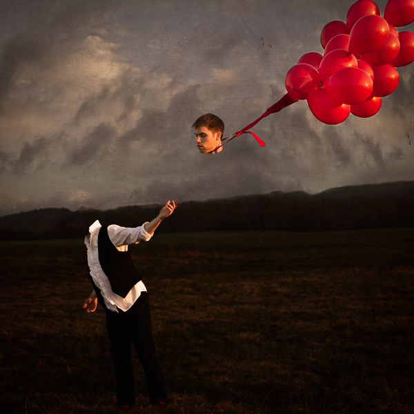 The Red Balloons on Behance  ©Nicholas.Cormier