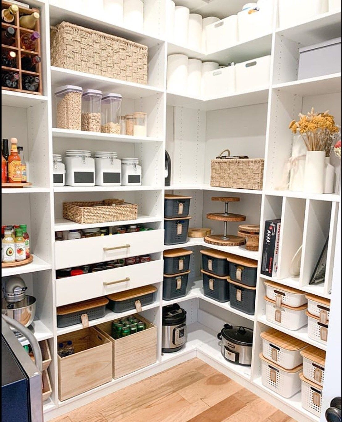 50+ Clever Pantry Organization Ideas - The Wonder