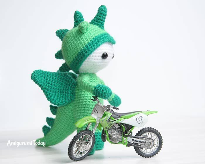 Muñeca Amigurumi en traje de dragón - patrón de ganchillo gratis | b ...