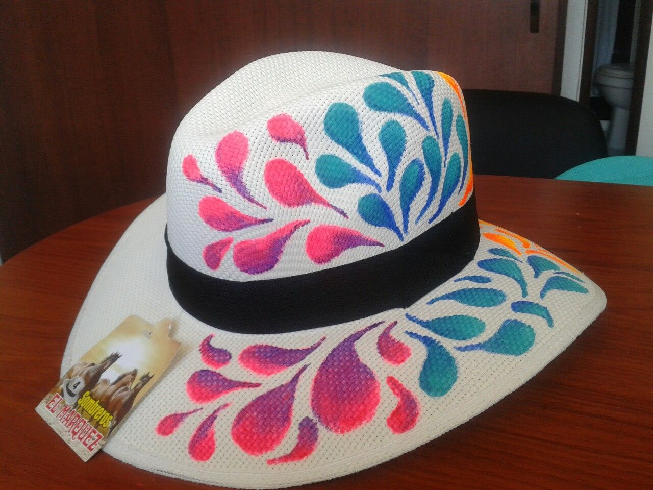 d9da113d5f915 Sombrero pintado a mano