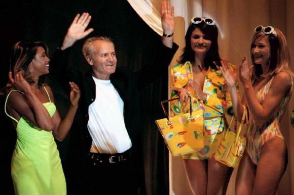 Mode aus Mailand: Schlicht ist Trumpf bei Gianni Versace helena christensen naomi campbell carla bruni