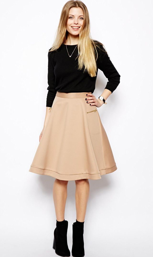 8261640f2 how to style midi skirt, loose sweatshirt and ankle boots, workwear outfit,  mode
