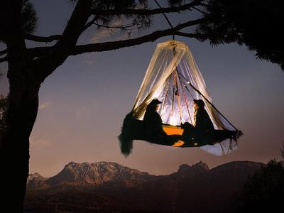 Extreme C&ing With Amazing Hanging Tents & Extreme Camping With Amazing Hanging Tents | Tree tent Bavaria ...