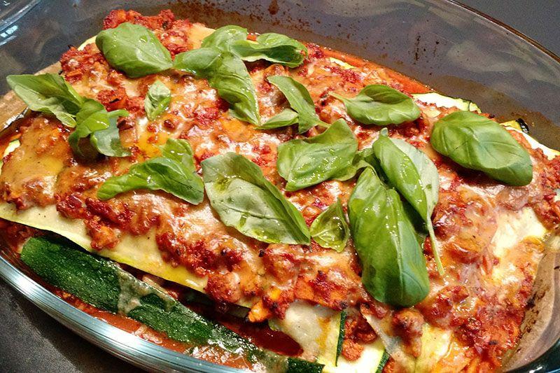Rezept für eine leckere vegane Zucchini Lasagne | Teil 5 | http://www.gut-schmecken.de/rezepte/vegane-zucchini-lasagne #gutschmecken #vegan #zucchini #lasagne