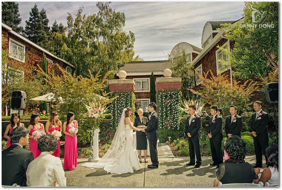 Wedding In The Courtyard At Stanford Park Hotel Stanfordparkhotel